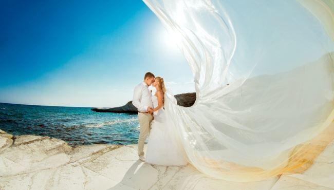 Красивая романтическая свадебная фотография