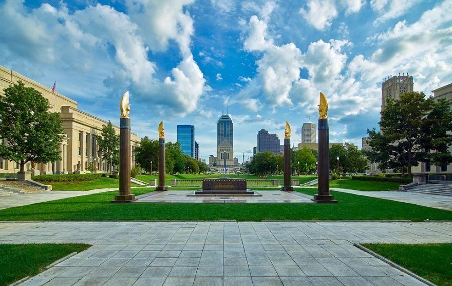 Скачать онлайн бесплатно лучшее фото города Индианаполис в хорошем качестве