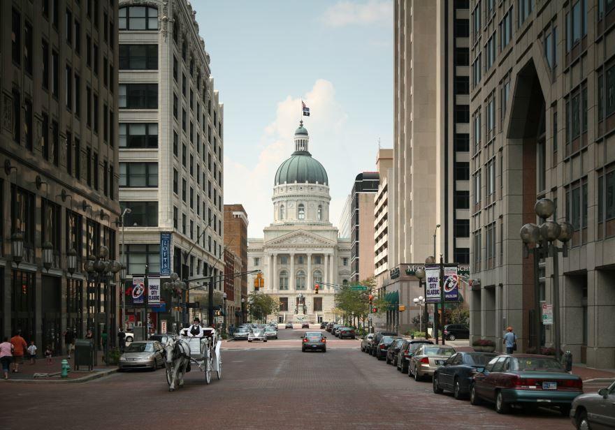 Скачать онлайн бесплатно лучшее фото города Индианаполис штат Индиана