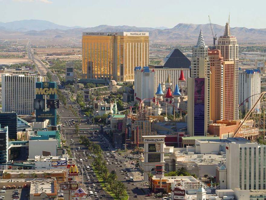 Смотреть красивое фото вид сверху город Лас Вегас 2019