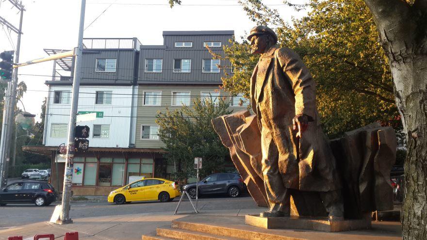 Памятник В.И. Ленину город Сиэтл