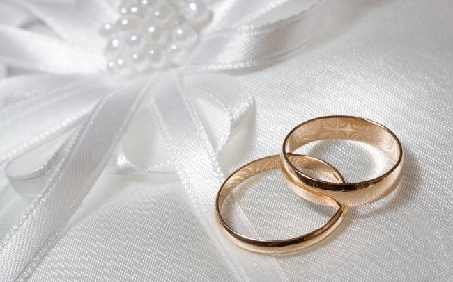 Красивые открытки с днем свадьбы, обручальные кольца