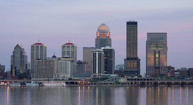 Смотреть красивое фото города Луисвилл штат Кентукки США