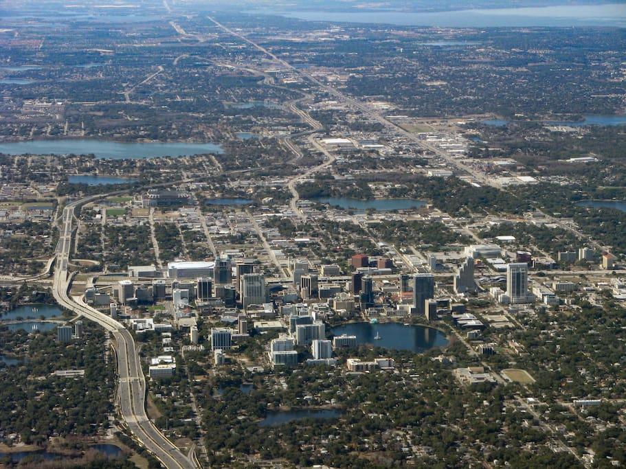 Смотреть красивое фото вид сверху города Орландо штат Флорида США