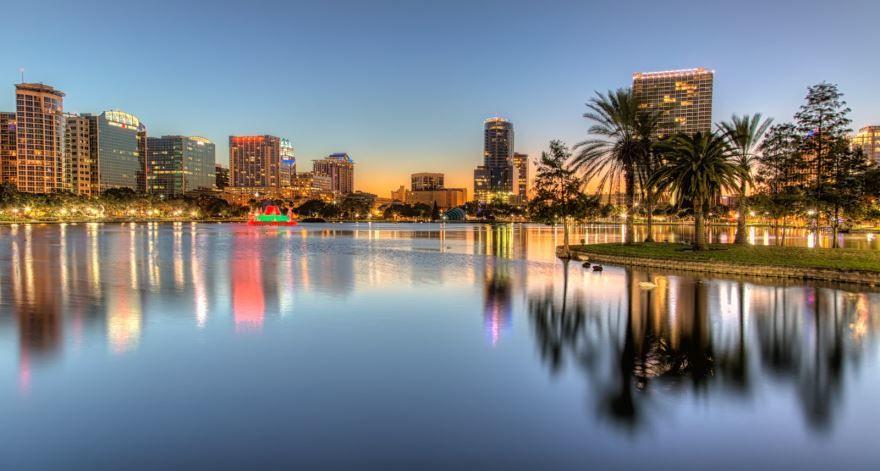 Скачать онлайн бесплатно лучшее фото города Орландо штат Флорида США в хорошем качестве