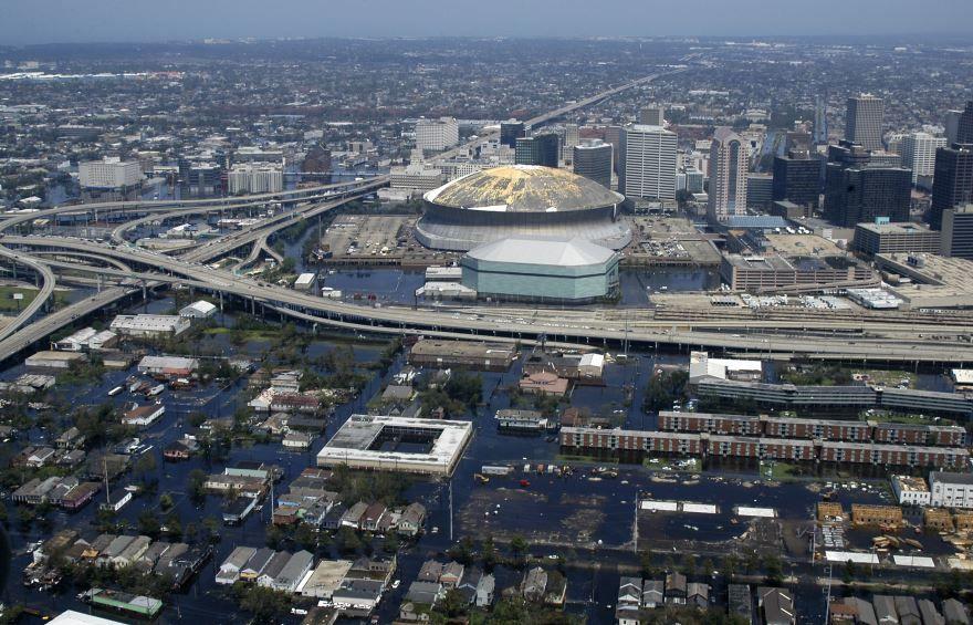 Скачать онлайн бесплатно лучшее фото вид сверху города Новый Орлеан 2019 в хорошем качестве