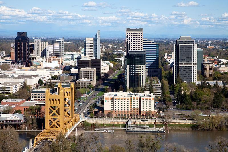 Скачать онлайн бесплатно лучшее фото города Сакраменто в хорошем качестве