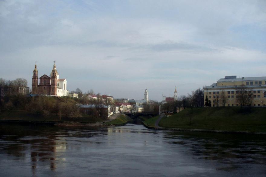 Вид на город Витебск с правого берега Западной Двины