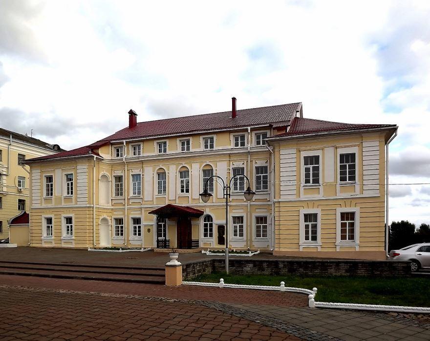 Бывший архиерейский дворец город Могилев
