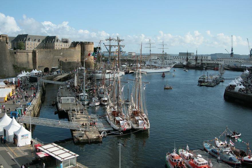 Порт города Брест