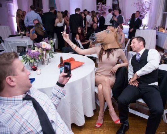 С головой лошади