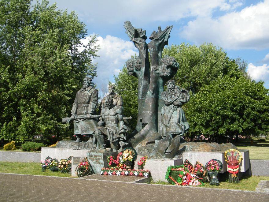 Памятник партизанам город Пинск