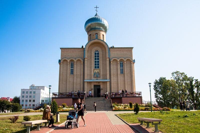 Храм Святых апостолов Петра и Павла город Волковыск