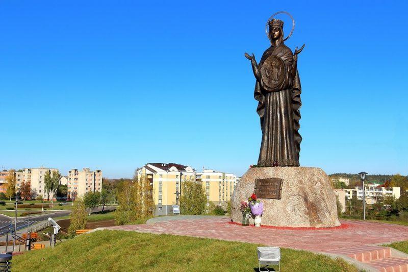 Скульптура Богоматерь город Логойск