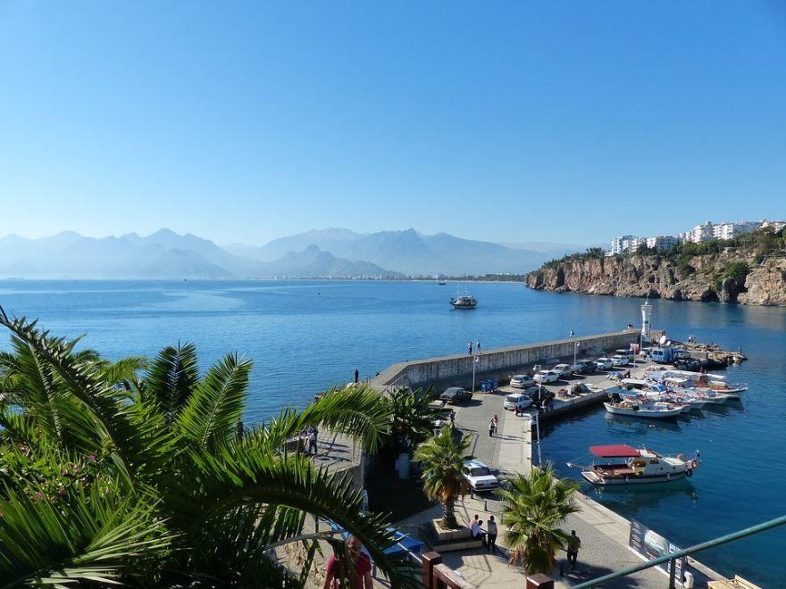 Скачать онлайн бесплатно лучшее фото город Анталья в хорошем качестве