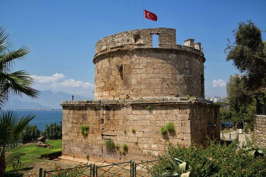 Башня Хыдырлык город Анталья Турция