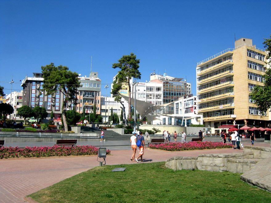 Площадь город Анталья 2019 Турция