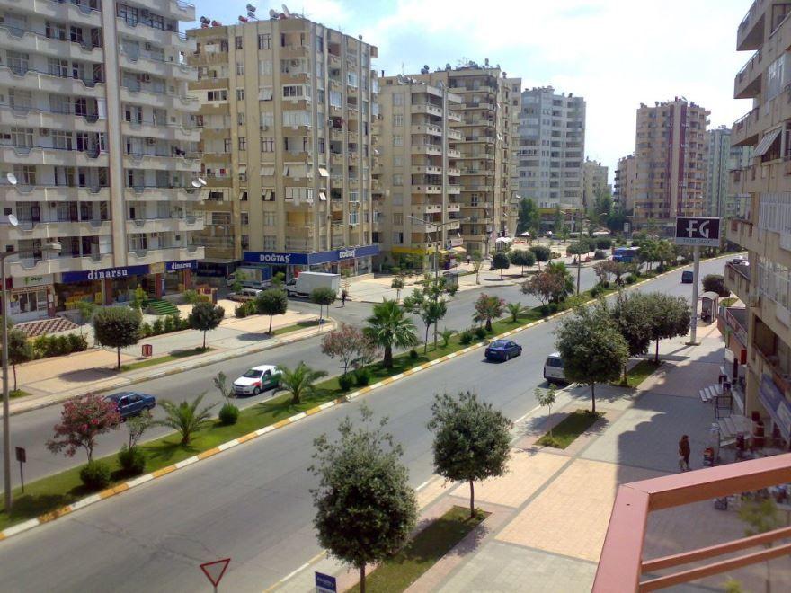 Улица город Адана Турция