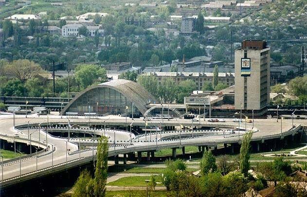 Скачать онлайн бесплатно лучшее фото вид на город Луганск Украина