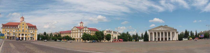 Смотреть красивое фото панорама Красной площади город Чернигов