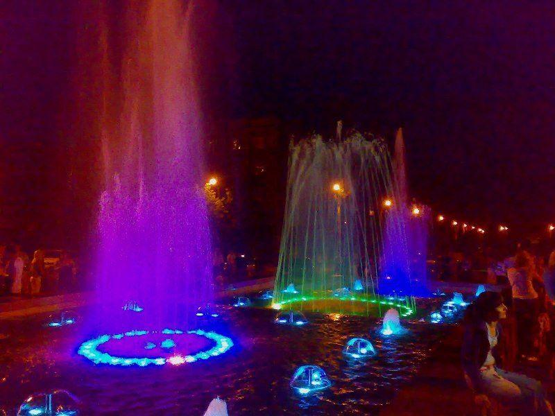 Смотреть красивое фото фонтаны город Алчевск 2018 Украина