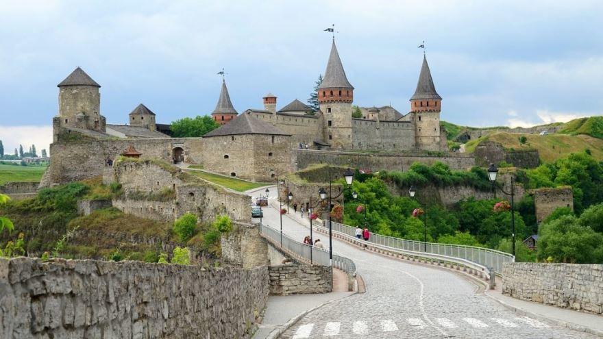 Замок город Каменец Подольский