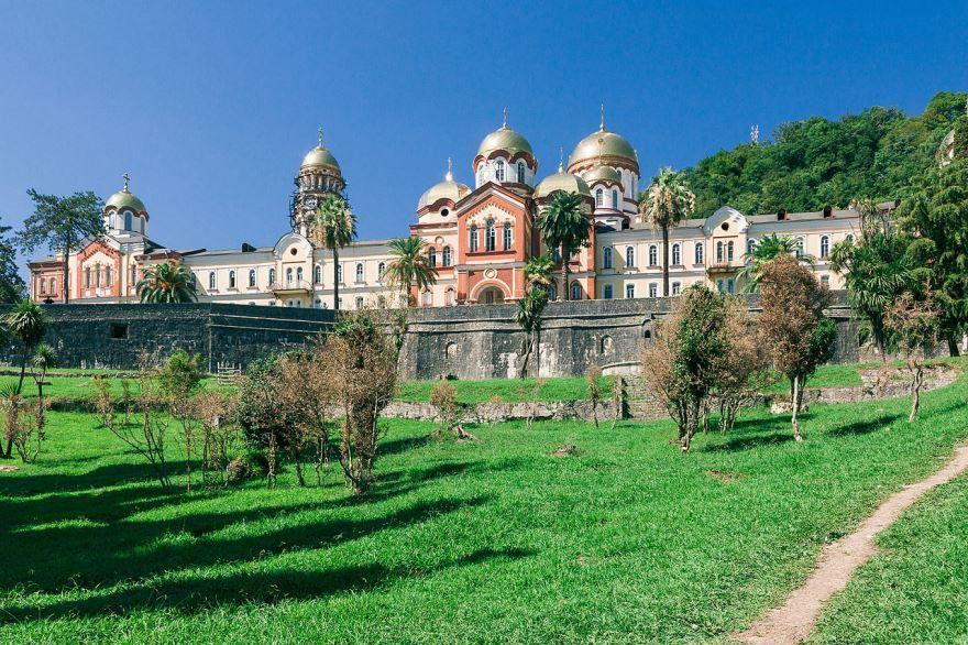 Монастырь город Новый Афон