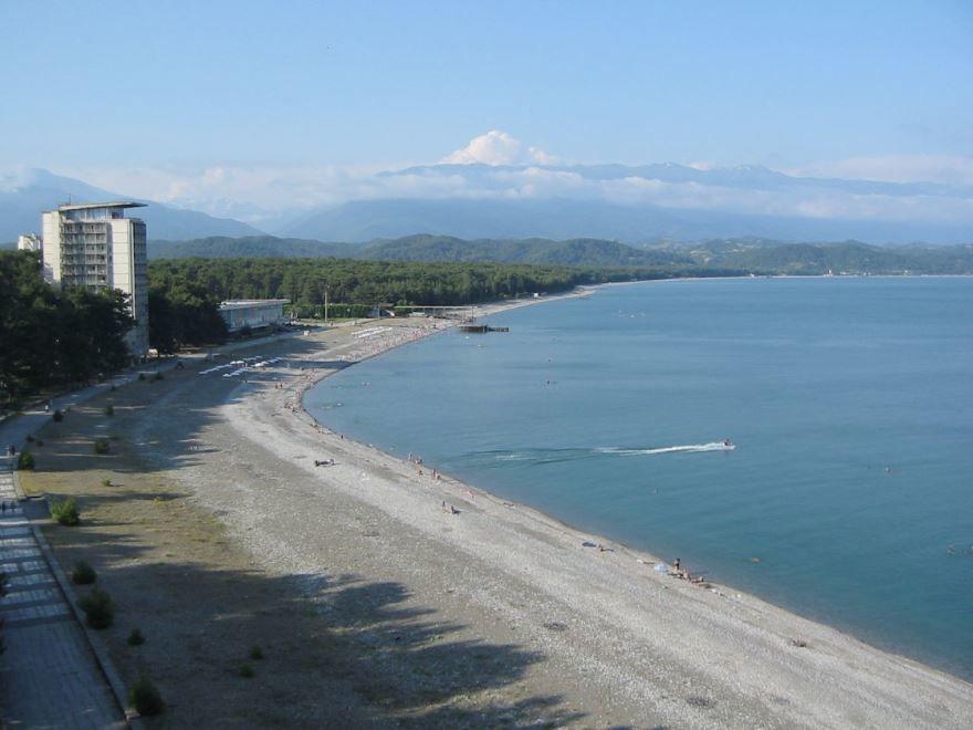 Пляж город Пицунда