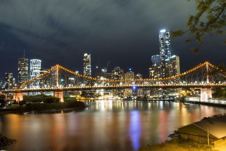 Вечернее фото города Брисбен