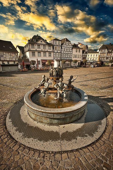 Красивая фото фонтана город Линц