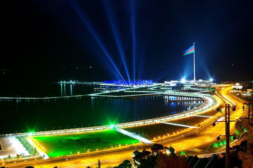 Ночное фото города Баку Азербайджан