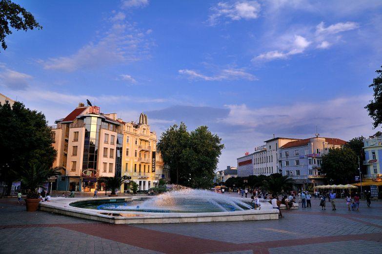 Городская площадь город Варна