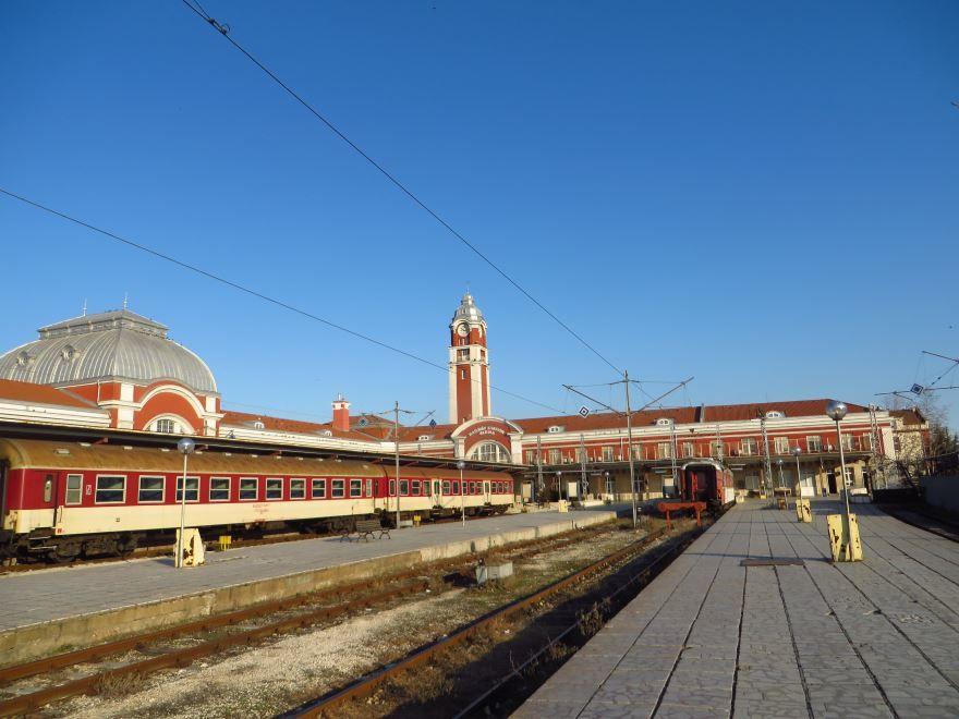 Железнодорожный вокзал город Варна 2018
