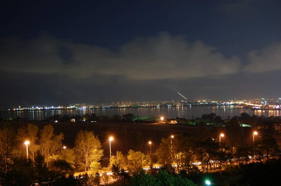 Ночное фото город Бургас 2019