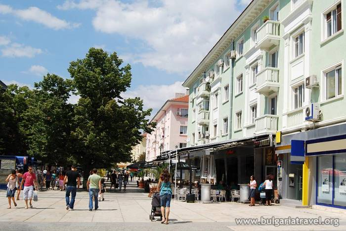 Смотреть красивое фото город Сливен 2018