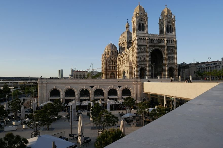 Скачать онлайн бесплатно лучшее фото город Марсель в хорошем качестве