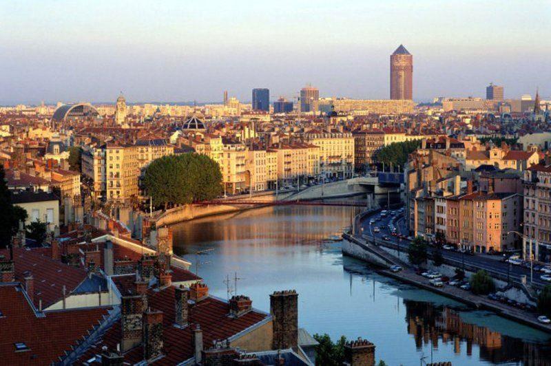 Смотреть красивое фото город Лион