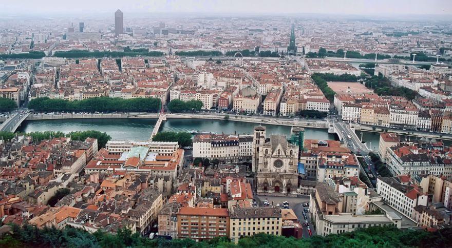 Вид на город Лион 2019