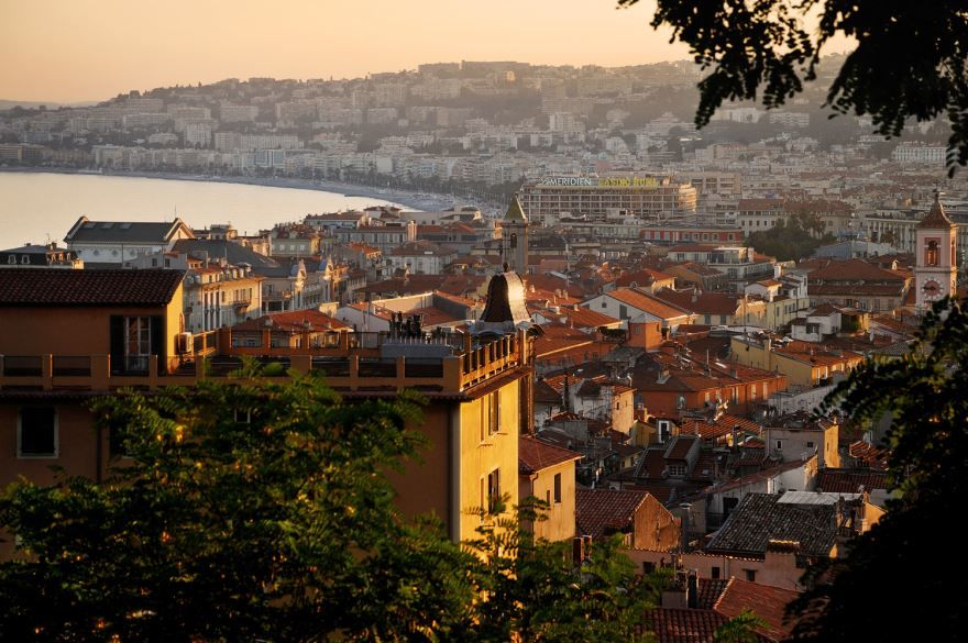 Вид на старый город Ницца