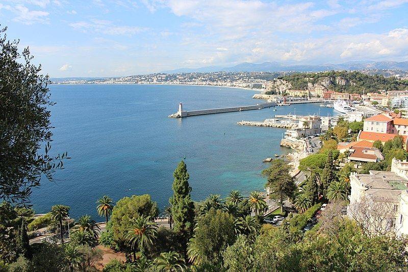 Вид на залив город Ницца