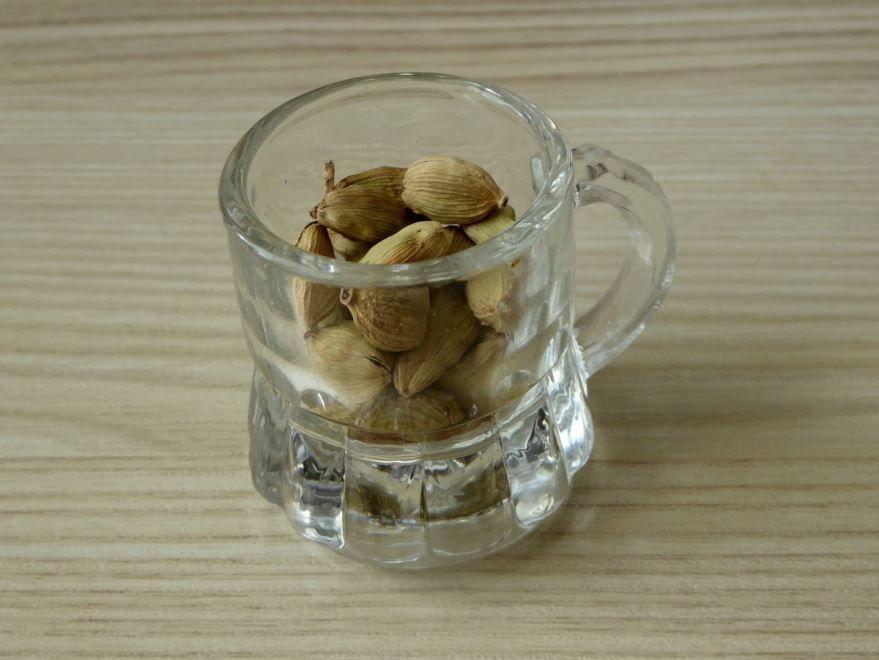 Купить фото кардамона для вкусных рецептов чая? Скачайте бесплатно