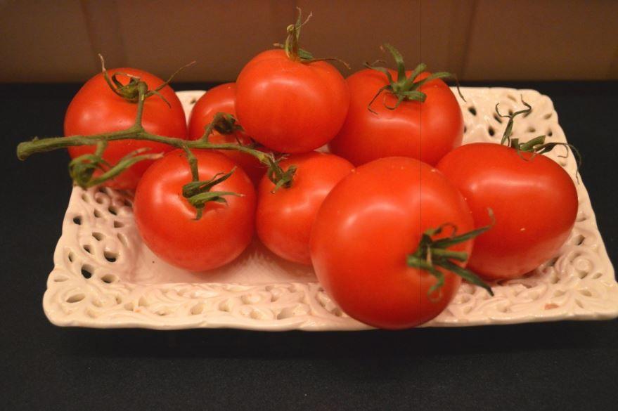 Фото и картинки красных помидоров для создания вкусных салатов и маринованных заготовок