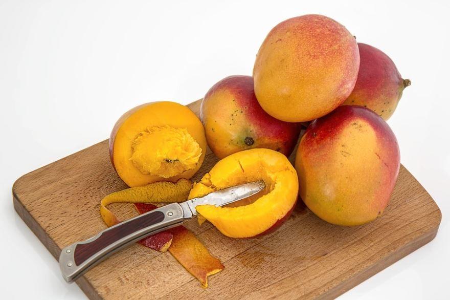 Смотреть фото некалорийного фрукта – манго из России бесплатно