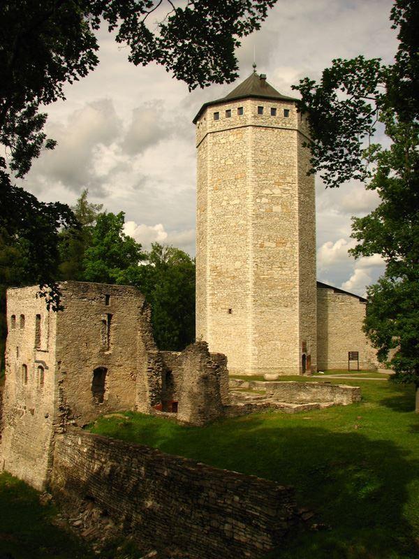 Замок Вейсенштейн город Пайде