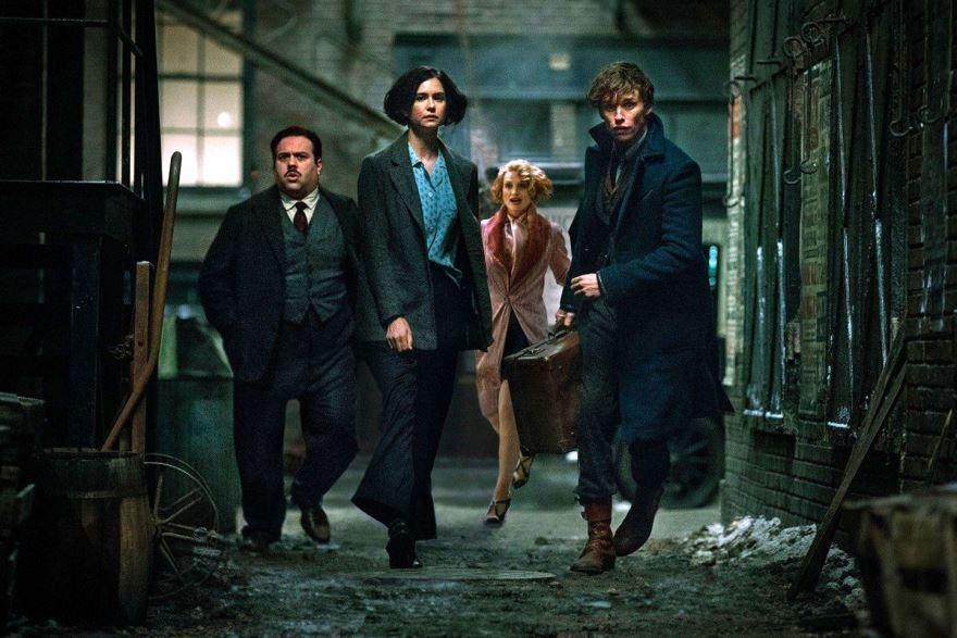 Фото и картинки фильма фантастические твари: преступления Грин-де-Вальда, который давно вышел в кинотеатре в 1080 hd