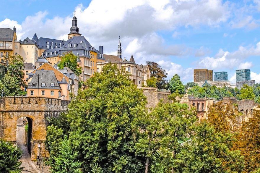 Скачать онлайн бесплатно лучшее фото город Люксембург в хорошем качестве