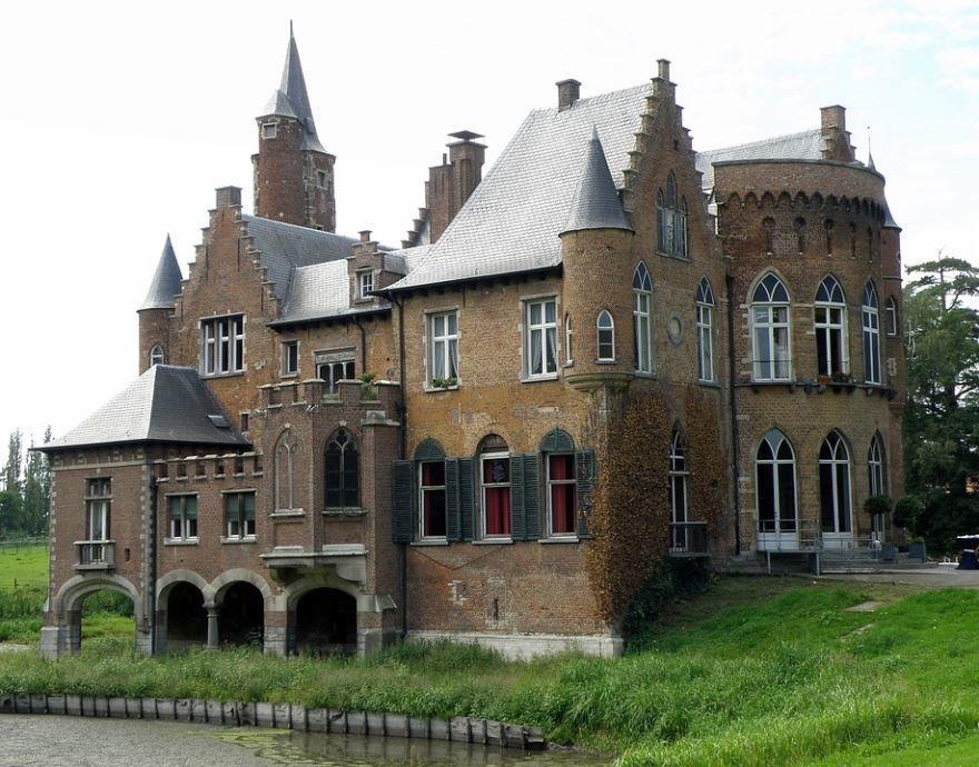 Замок город Фландрия