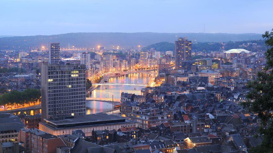 Смотреть красивое фото город Льеж Бельгия