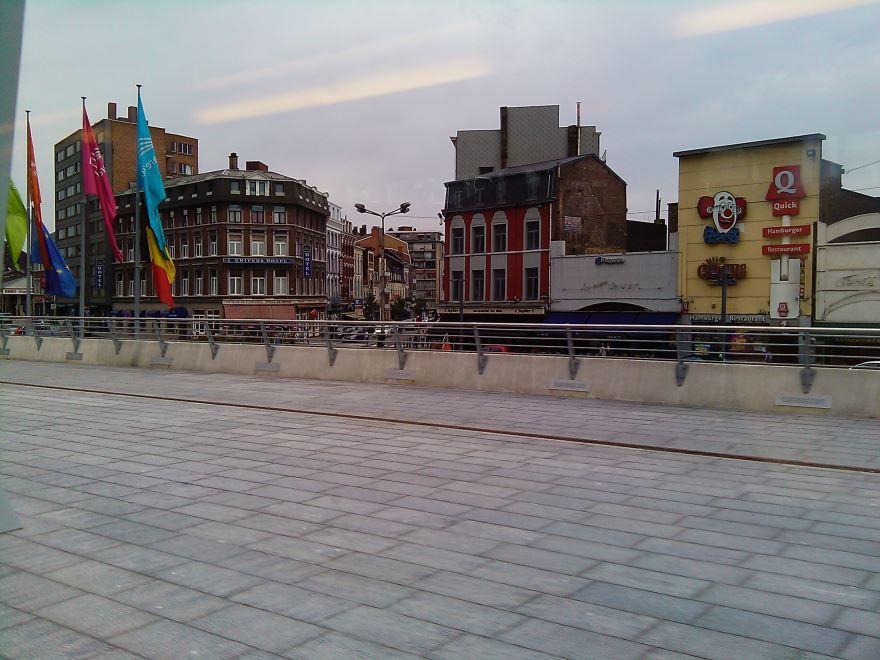 Скачать онлайн бесплатно лучшее фото панорама города Льеж в хорошем качестве