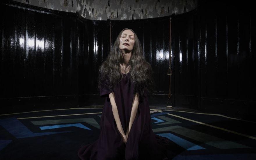 Фото и картинки фильма суспирия, который вышел в кинотеатре в 1080 hd